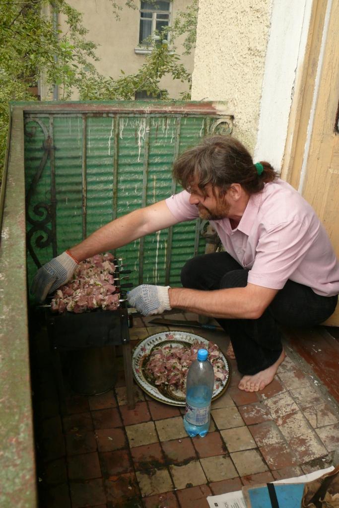 Как на балконе сделать шашлык
